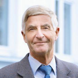 Fachanwalt und Notar Bruno Metzler
