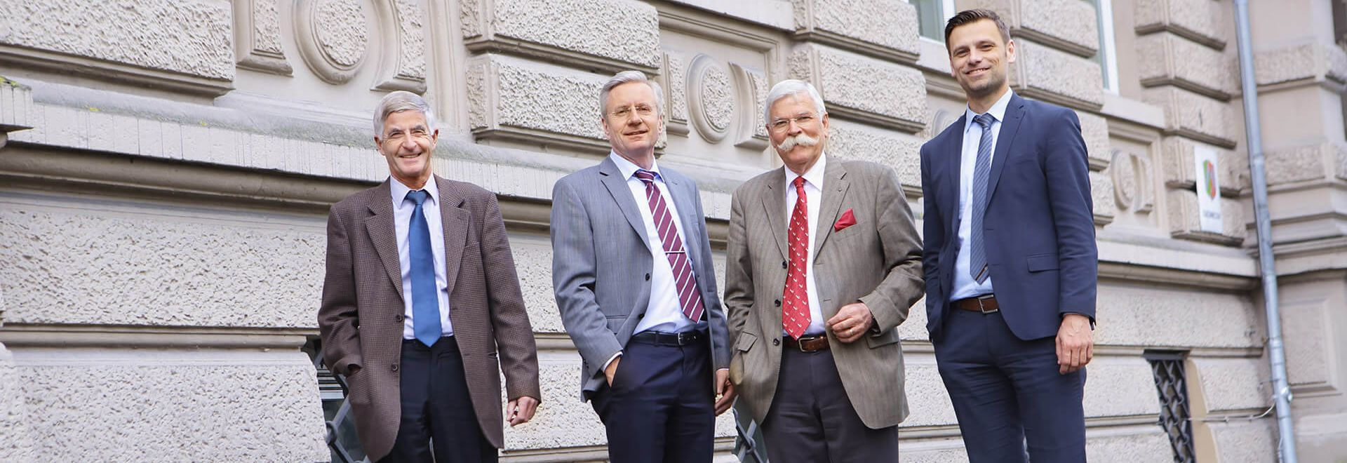 Gruppenbild Metzler, Jäger, Dorn, Kemper